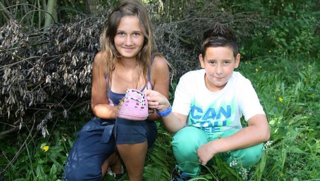 Diese beiden Kinder wollen das Krokodil im Sommer 2012 gesehen haben. (Bild: APA/DANIEL RAUNIG)