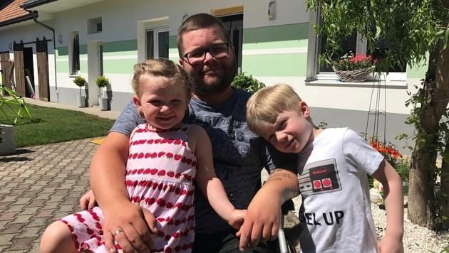 Für seine Kinder Pascal (5) und Kristin (3) will Dominik Groschner wieder aktiver werden. (Bild: Christian Schulter)