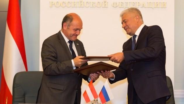 Wolfgang Sobotka und Wladimir Kolokolzew (Bild: BMI/Michael Dietrich)