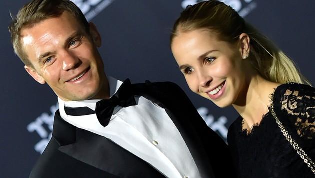 Manuel Neuer mit Nina Neuer (Bild: AFP)