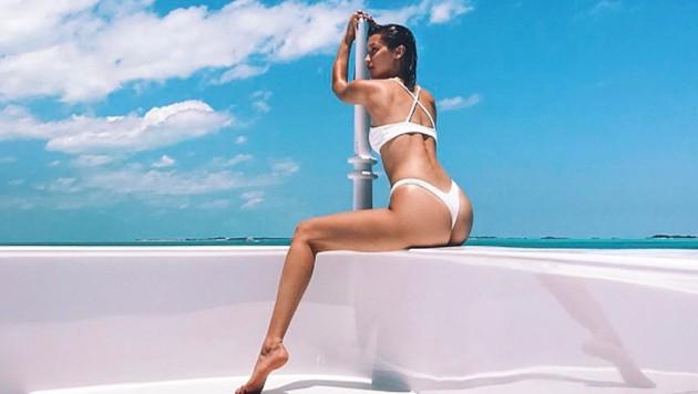 Bella Hadid setzt im Urlaub ihre Traumkurven perfekt in Szene. (Bild: instagram.com/bellahadid)