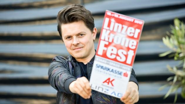 "Mit fetzigen neuen Songs wie ""ID"" und bekannten Ohrwürmern kommt Michael Patrick Kelly zum Fest. (Bild: Markus Wenzel)"