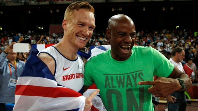 Mike Powell (rechts) mit Greg Rutherford (Bild: AFP)