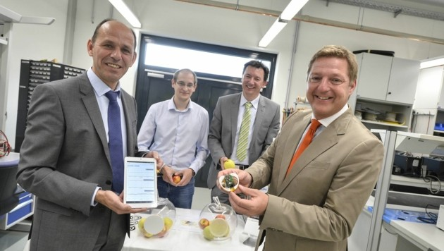 CTR-Vorstände Werner Scherf, Simon Grasser mit Stadtchef Albel und Christoph Mayer (Bild: Helge Bauer)
