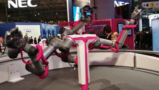 5G soll in der Industrie unter anderem zur synchronen Robotersteuerung genutzt werden. (Bild: Dominik Erlinger)