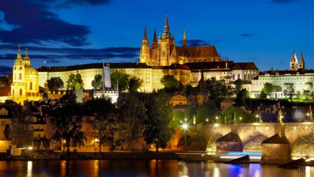 Prag bei Nacht (Symbolfoto) (Bild: thinkstockphotos.de)