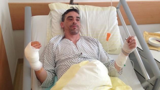 Daniel B. wurde nach dem Durchschuss seiner rechten Hand im Klinikum Wels operiert (Bild: Kronen Zeitung)