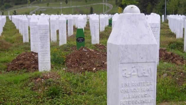 Nach dem Srebrenica-Massaker von 1995 werden noch immer sterbliche Überreste der Opfer beigesetzt. (Bild: Georg Horner)
