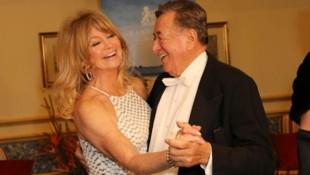 Goldie Hawn tanzt mit Richard Lugner (Bild: Starpix/ Alexander TUMA)
