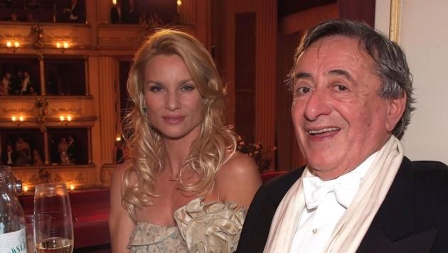 Opernball 2009: Nicollette Sheridan mit Richard Lugner (Bild: APA)