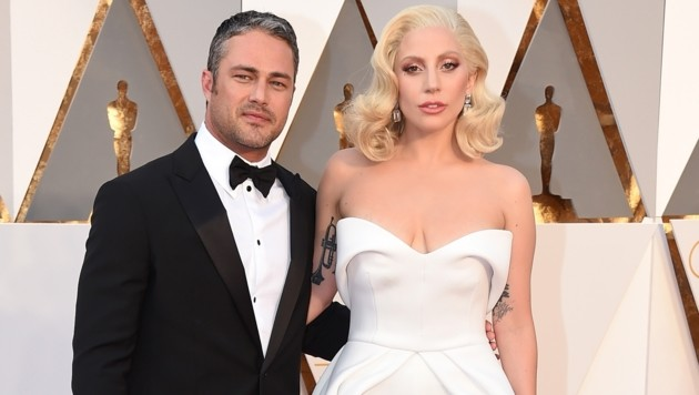 Lady Gaga und Taylor Kinney (Bild: Jordan Strauss/Invision/AP)