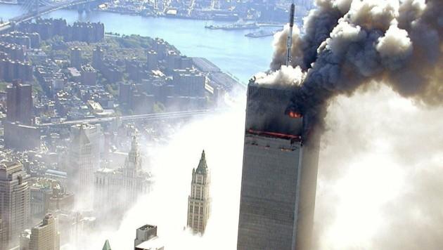 Einer der Türme des World Trade Center, kurz nachdem ein Flugzeug in das Gebäude geflogen war. (Bild: ABC NEWS/New York City Police)