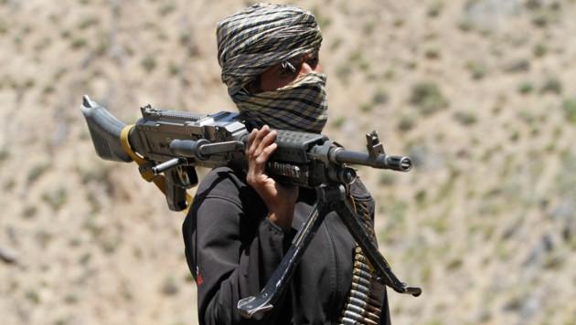 Ein Kämpfer der Taliban (Bild: AP)