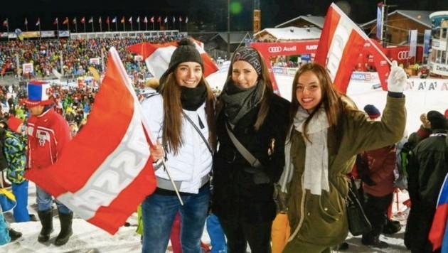 """Daniela, Denise und Caroline jubelten mit 12.500 Fans. Die Trophäe bekam """"Prinzessin"""" Hansdotter. (Bild: Gerhard Schiel)"""