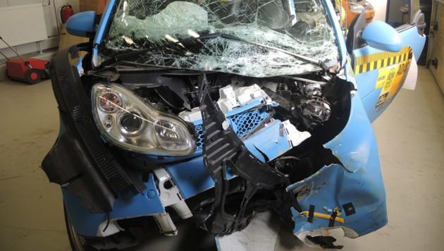 Smart Fortwo nach dem Crash gegen den VW Golf
