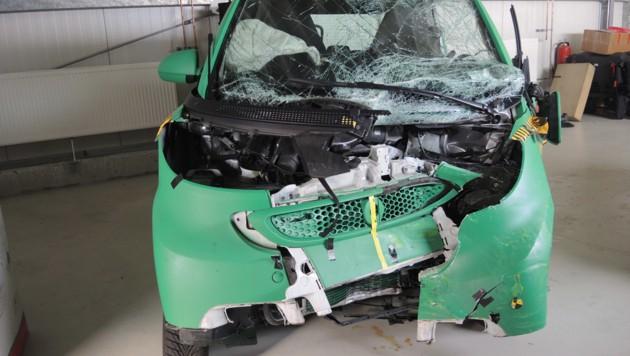 Smart Fortwo nach dem Crash gegen den Honda Civic