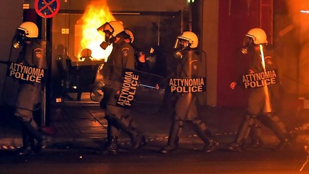 Einsatz einer griechischen Polizei-Sondereinheit (Bild: LOUISA GOULIAMAKI/AFP/picturedesk.com)