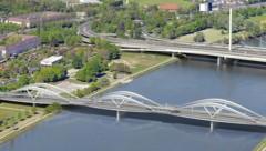 Wie die neue Donaubrücke aussehen soll, steht fest. Offen ist, wer sie wie hoch finanzieren soll. (Bild: Linz AG)