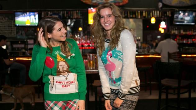 Hässliche Weihnachtspullis sind in den USA und GB längst Kult, jetzt gibt es sie auch bei uns. (Bild: JoshuaAllenGreen.com)