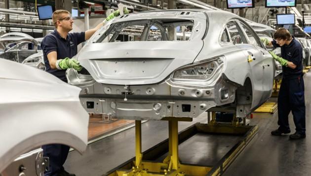 Automobilproduktion bei Mercedes-Benz