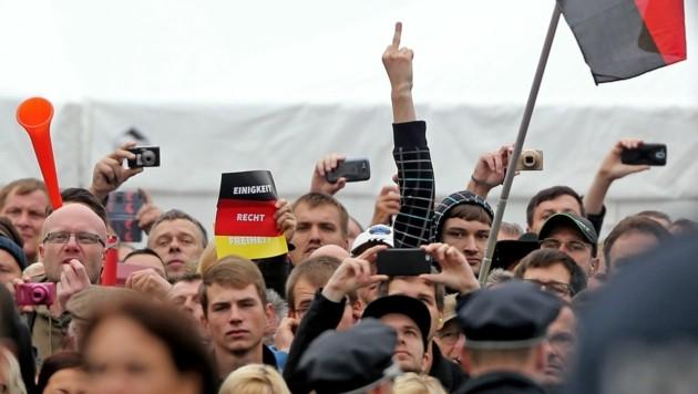 Krawallmacher am Deutschen Einheitsfeiertag: Ein Bild sagt mehr als 1000 Worte ...