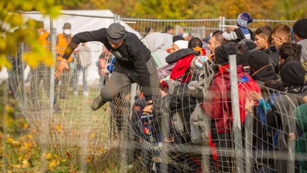 (Bild: APA/AFP/Rene Gomolj)