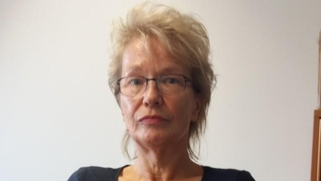 """â01EKroneâ01C-Mitarbeiterin Silvia Goger. Die gelernte Krankenschwester zögerte nicht lange! (Bild: """"Krone"""")"""