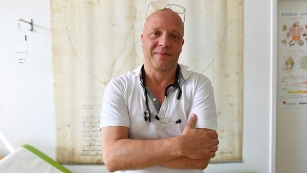 Der engagierte Mödlinger Mediziner Dr. Papaevangelou kämpft um seine Praxis