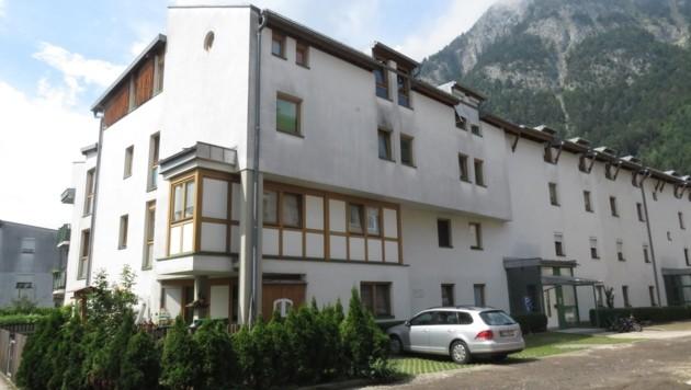 Im obersten Stockwerk dieser Wohnanlage in Jenbach soll sich das Beziehungsdrama ereignet haben. (Bild: ZOOM.TIROL)