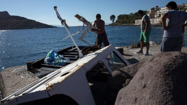 Die Überreste des komplett zerstörten Ausflugsschiffes