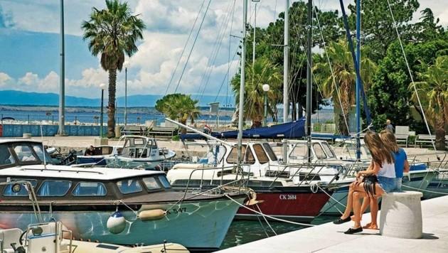 Der beschauliche Küstenort Crikvenica: Gäste flanieren gerne am Hafen.