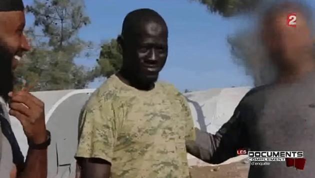 Omar Omsen in einer Dokumentation des französischen Senders France 2 im Jahr 2015