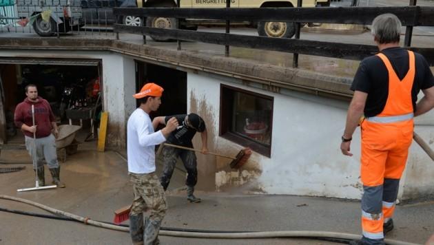 Aufräumarbeiten nach den heftigen Unwettern in Imst in Tirol