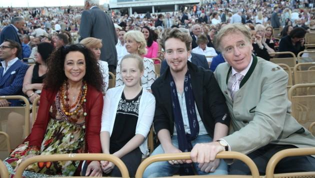Barbara Wussow und Albert Fortell mit den Kindern Johanna und Nikolaus