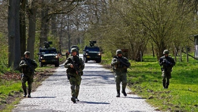 Im Frühjahr übten Soldaten der beteiligten Nationen in Deutschland.