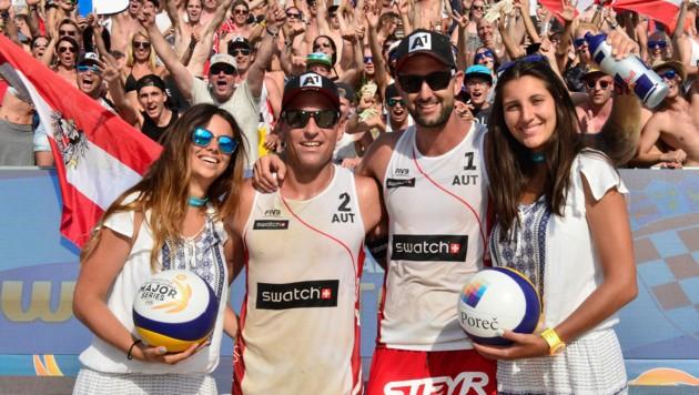 Mit den österreichischen Beachvolleyball-Playern Alexander Horst (li.) und Clemens Doppler (re.)