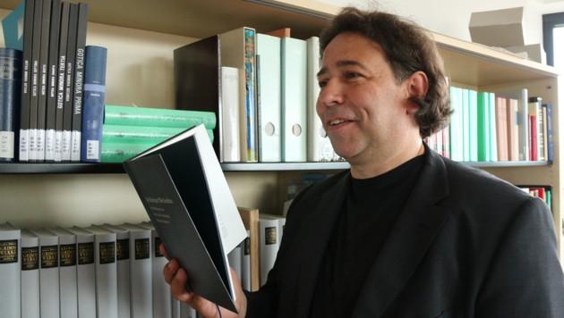 Grimm-Forscher Holger Ehrhardt von der Universität Kassel