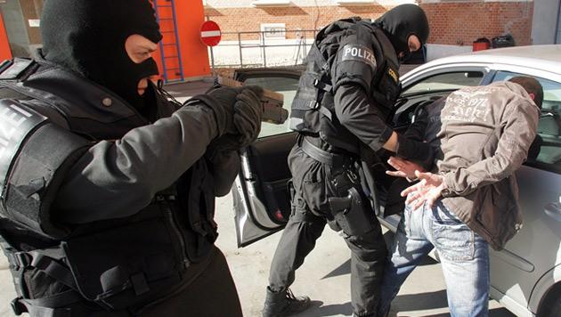 Einsatzkräfte der Cobra bei einer Übung (Bild: Andi Schiel)