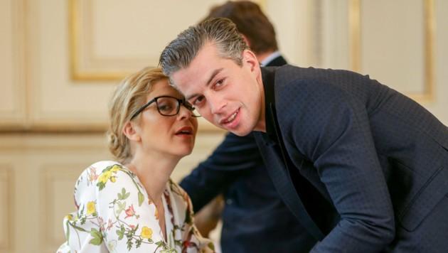 Hilde Dalik (Vanessa) mit Matthias Franz Stein (Günter), dem Sohn von Erwin Steinhauer