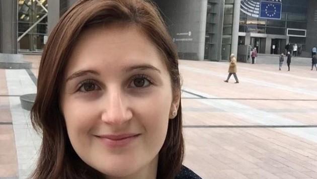 Marlene Svazek lebt in Brüssel und ist im Europäischen Parlament tätig.