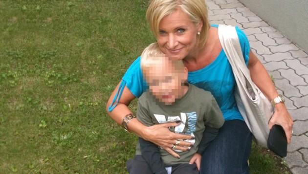 Marion Weilharter ist davon überzeugt, ihren Oliver bald wieder in die Arme schließen zu können. (Bild: Kronen Zeitung/privat)