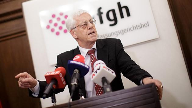 VfGH-Präsident Gerhart Holzinger (Bild: APA/Georg Hochmuth)