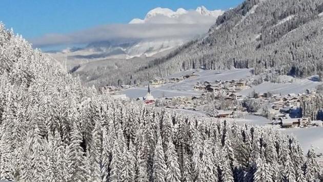 Einfach ein Traum: Das wunderschöne St. Martin im Tennengebirge und im Hintergrund der Dachstein.