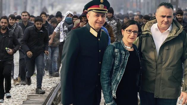 Polizei-Generaldirektor Kogler und die Minister Mikl-Leitner und Doskozil wollen Bulgarien helfen. (Bild: ASSOCIATED PRESS, Richard Schmitt)