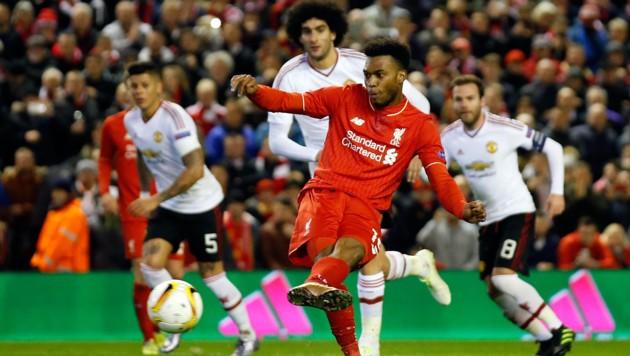 """Daniel Sturridge stellt vom Elferpunkt auf 1:0 für die """"Reds"""". (Bild: AP)"""