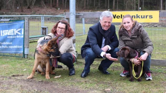 Herbert Gaggl ist Hundefreund und fordert härtere Strafen und Kontrollen für illegale Welpenhändler.