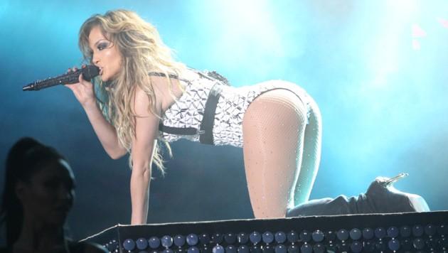 Jennifer Lopez wackelt mit dem Po. (Bild: AP)