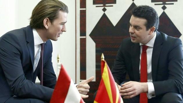 Außenminister Sebastian Kurz mit seinem mazedonischen Amtskollegen Nikola Poposki (Bild: APA/AUSSENMINISTERIUM/DRAGAN TATIC)