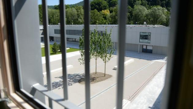 Der Angeklagte ist in der Justizanstalt Puch in U-Haft (Bild: APA/BARBARA GINDL)