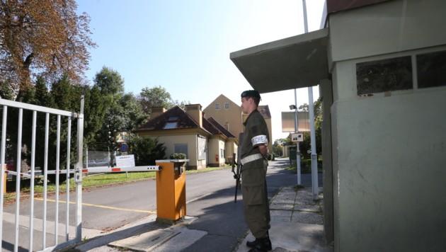 Grazer Kirchner Kaserne steht zum Verkauf. Der Bund will zumindest 9,5 Millionen Euro erlösen. (Bild: Kronenzeitung)